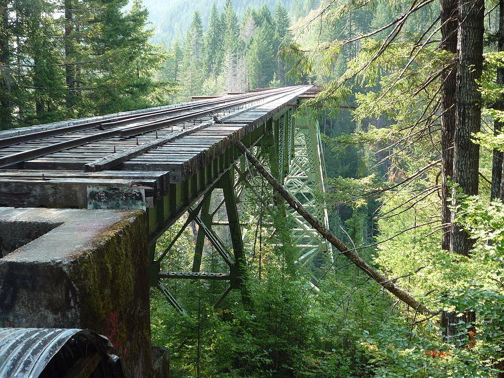 Zniszczony most kolejowy Vance Creek