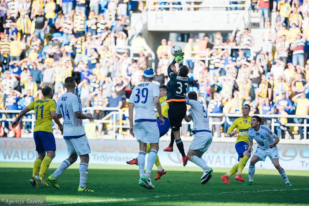 Arka - Ruch 1:1