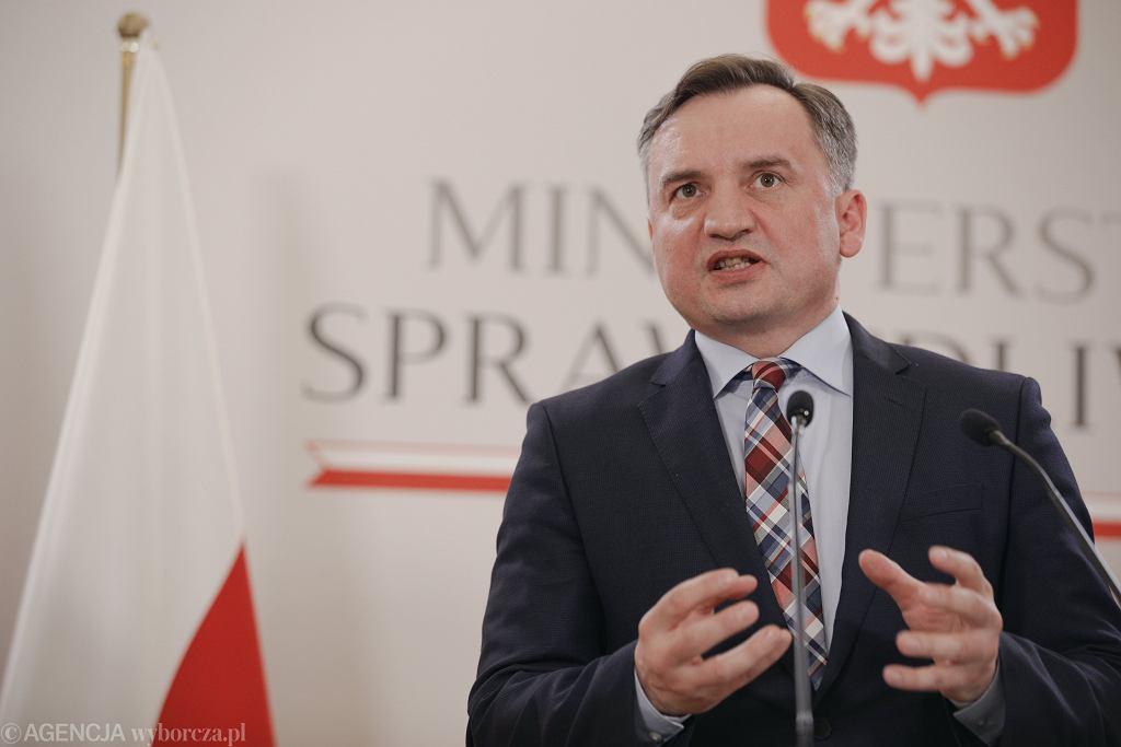Zbigniew Ziobro podczas konferencji prasowej