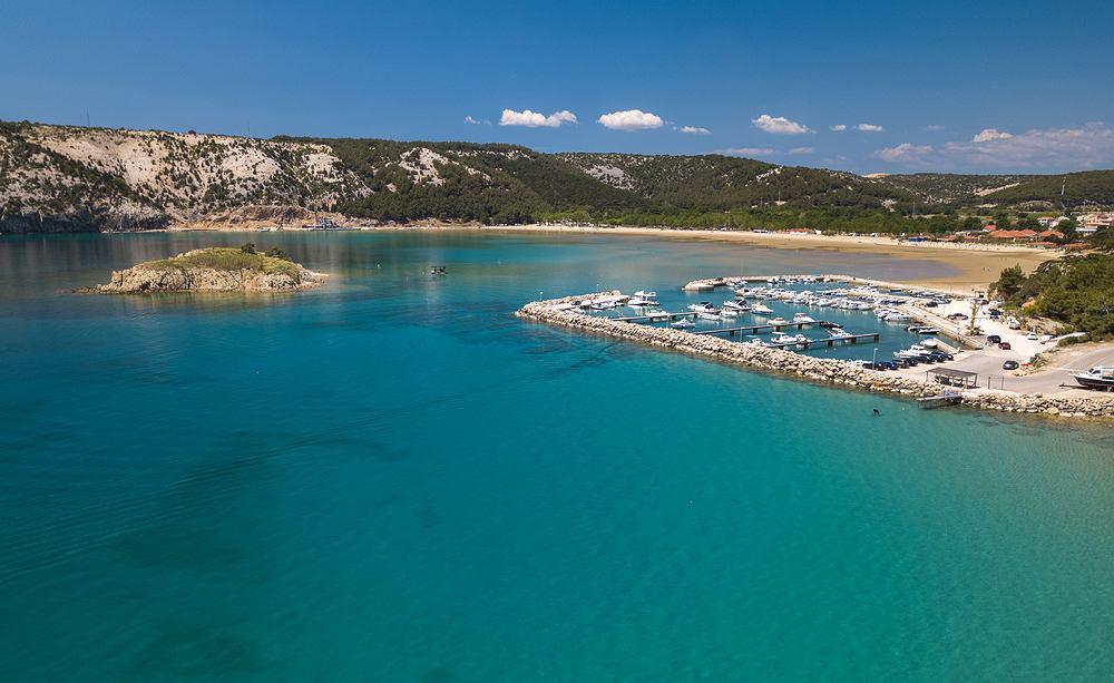 Paradise Beach w Lopar to najsłynniejsza i najpiękniejsza plaża na wyspie Rab