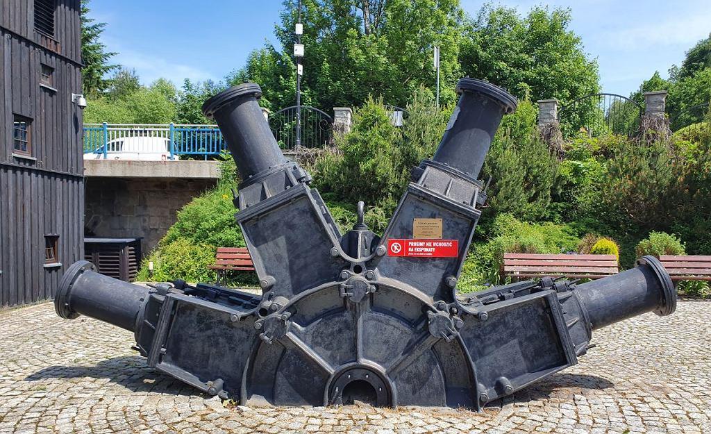 Muzeum Papiernictwa w Dusznikach-Zdroju: ścierak do przetwarzania drewna na ścier