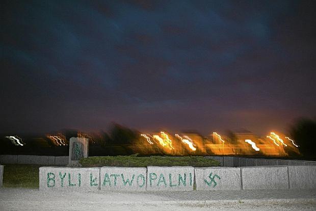 Sierpień 2011, pomnik w Jedwabnem