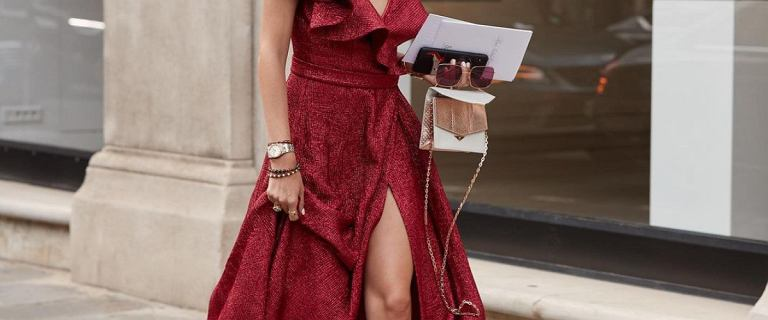 Luksusowe i tanie? Sukienki na wesele od słynnych projektantów na wielkiej wyprzedaży!