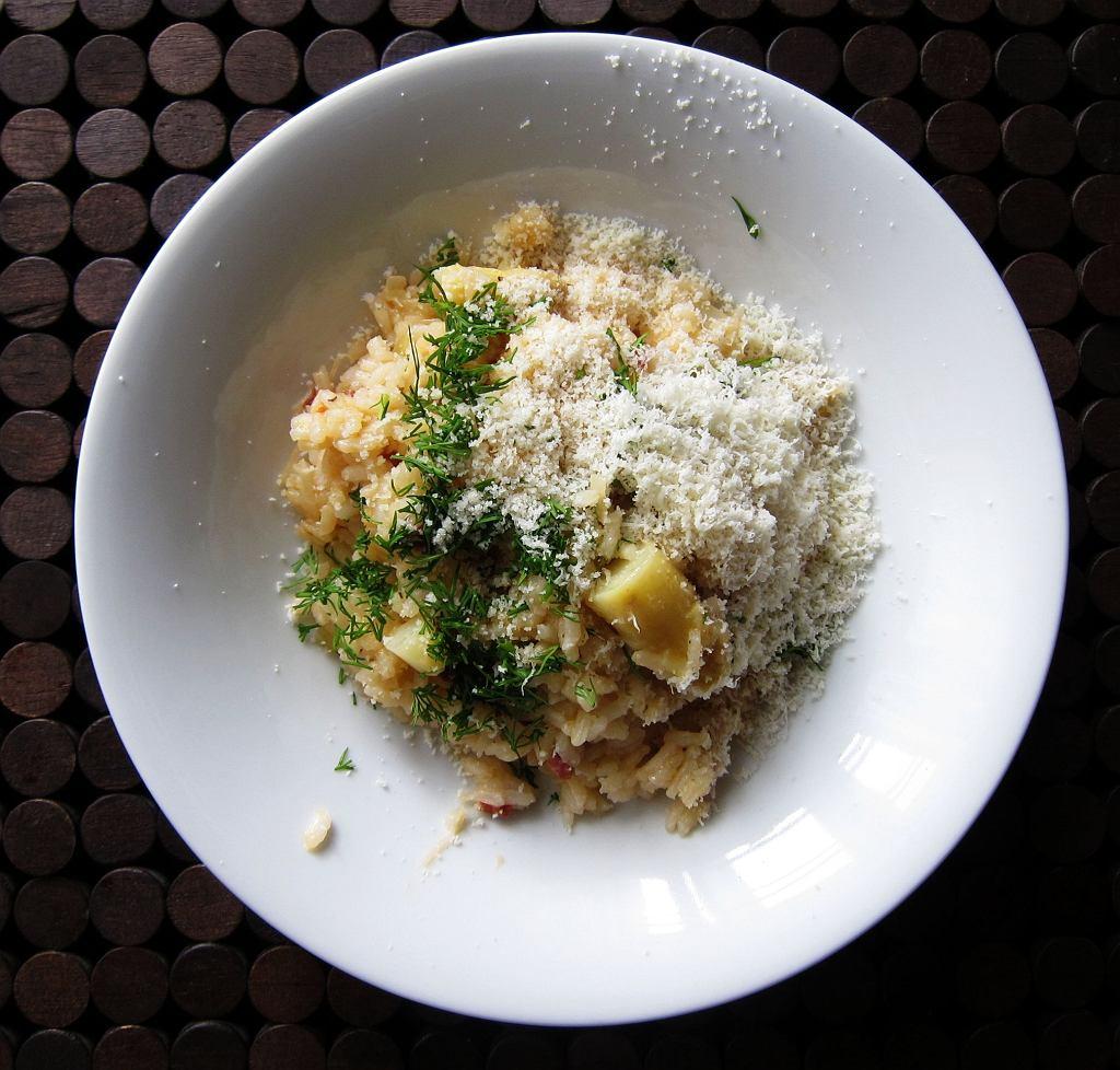 Ryż ze szparagami i chorizo