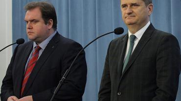 Paweł Piskorski (L) i Janusz Palikot na konferencji Twojego Ruchu