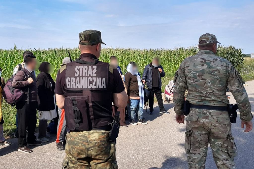 Cudzoziemcy zatrzymani za nielegalne przekroczenie granicy