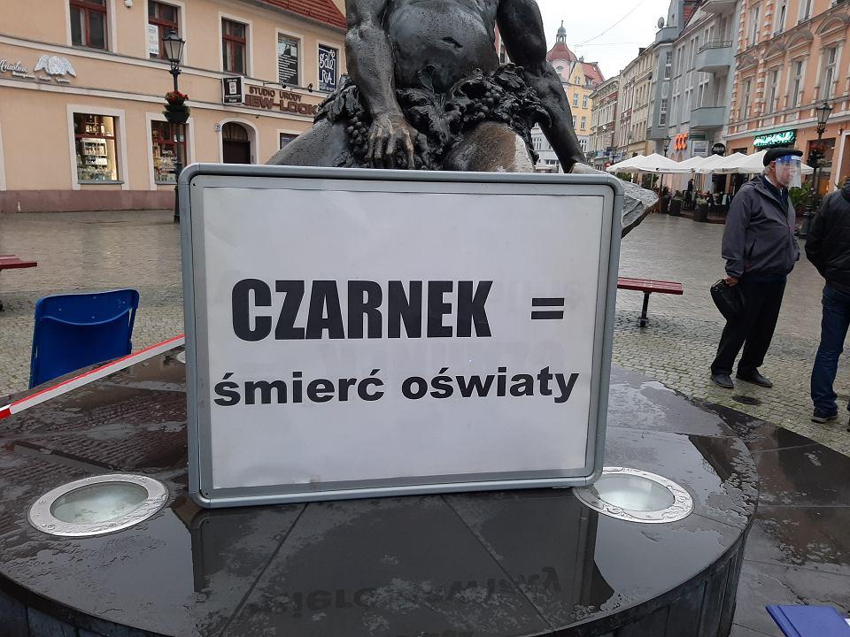 14.10.2020 r. Zielona Góra. Protest przeciwko nominacji Przemysława Czarnka na ministra edukacji.