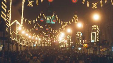 Świąteczne iluminacja na Nowym Świecie w Warszawie, 2001 rok