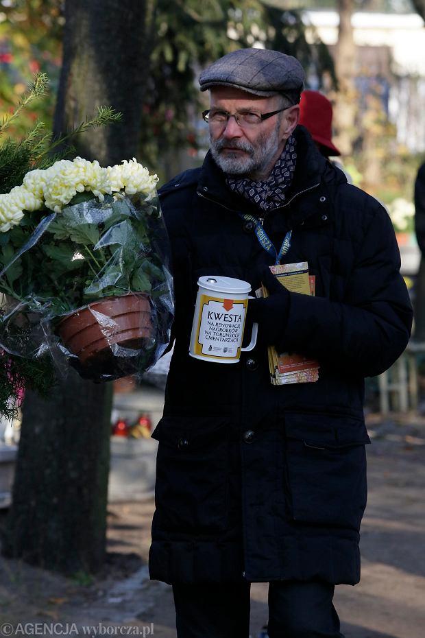 Zdjęcie numer 50 w galerii - Rekordowa kwesta. Na cmentarzu św. Jerzego w Toruniu udało się zebrać 23,5 tys. zł