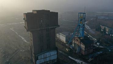 Wieża szybu Krystyna niszczeje w Bytomiu.