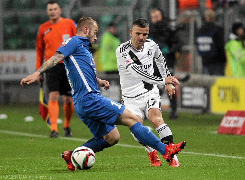 Tomasz Brzyski podczas meczu ekstraklasy Legia Warszawa -Lech Poznan.