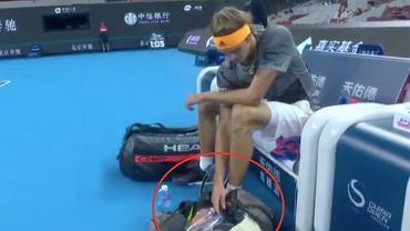 Alexander Zverev korzystał z telefonu podczas meczu?
