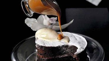Czekoladowe ciasto z karmelem