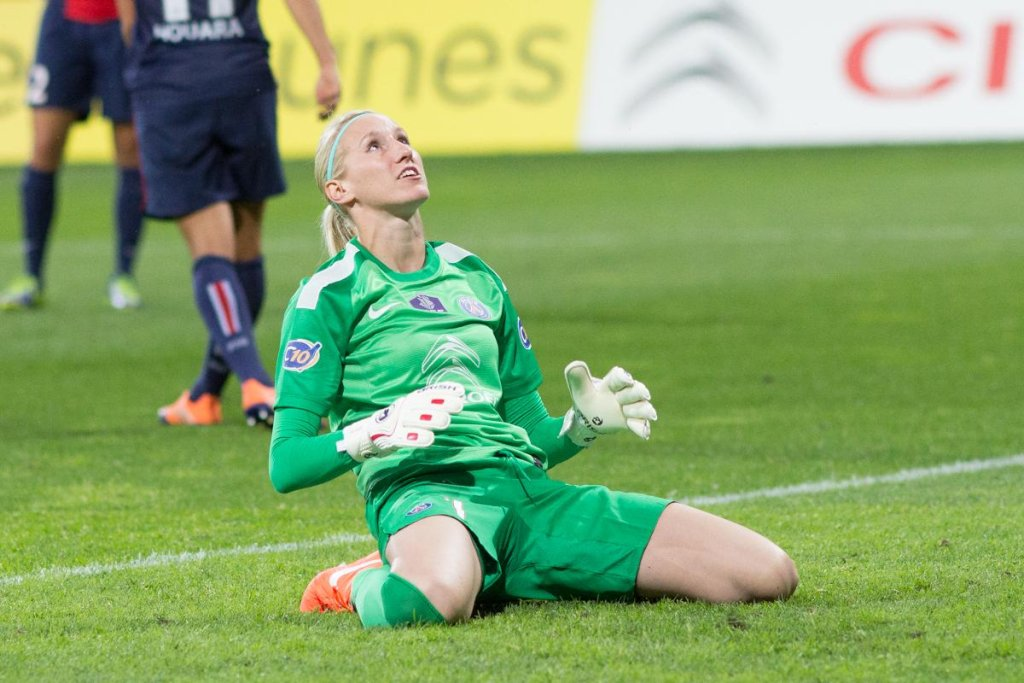 Katarzyna Kiedrzynek w barwach Paris Saint Germain