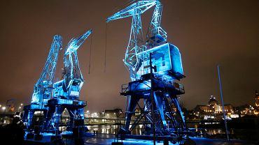 'Dzwigozaury' - iluminacja zabytkowych dźwigów portowych - atrakcja turystyczna Szczecina, 21 grudnia 2018
