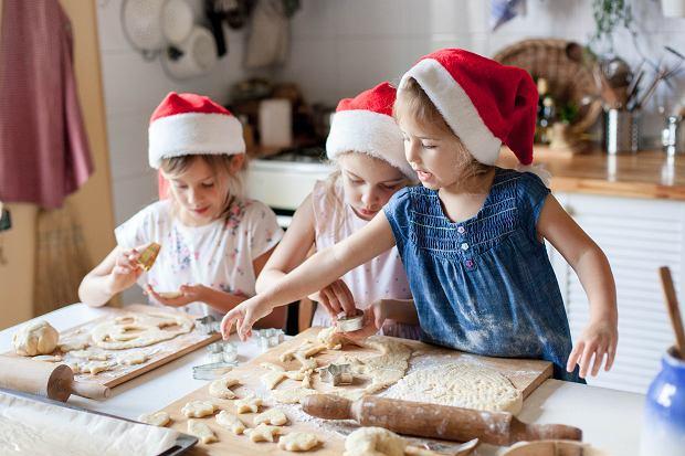 Pierniczki dla dzieci - proste przepisy na świąteczne pierniki