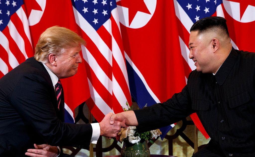 Prezydent Trump podczas spotkania z Kimem w Hanoi, 27 lutego 2019.