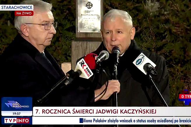 Starachowice . Prezes PIS Jarosław Kaczyński po mszy świętej z okazji rocznicy śmierci matki