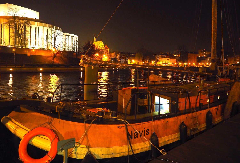 Navis nocą (fot. Jan Król)