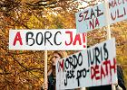 Komitet Zatrzymaj aborcję składa podpisy w Sejmie.  Chce zaostrzenia ustawy