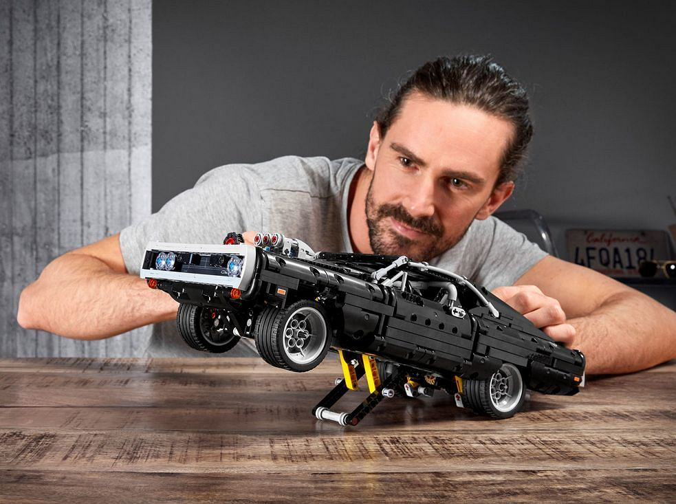 Dom's Dodge Charger, klocki Lego Technic