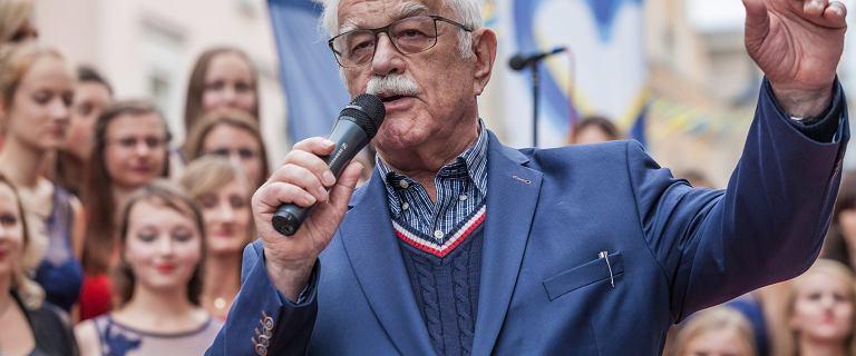 """Pietrzak ma żal, że miasta go nie chcą. """"Co to za wolna Polska, która nie wpuszcza Pietrzaka?"""""""