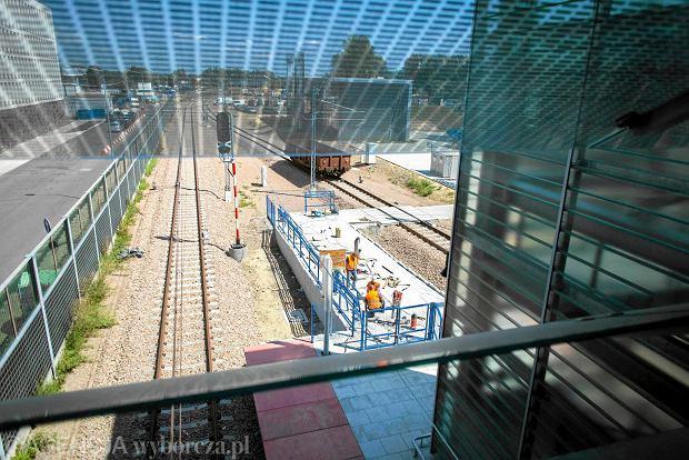 Problemy z wykonawcą linii kolejowej do lotniska w Balicach