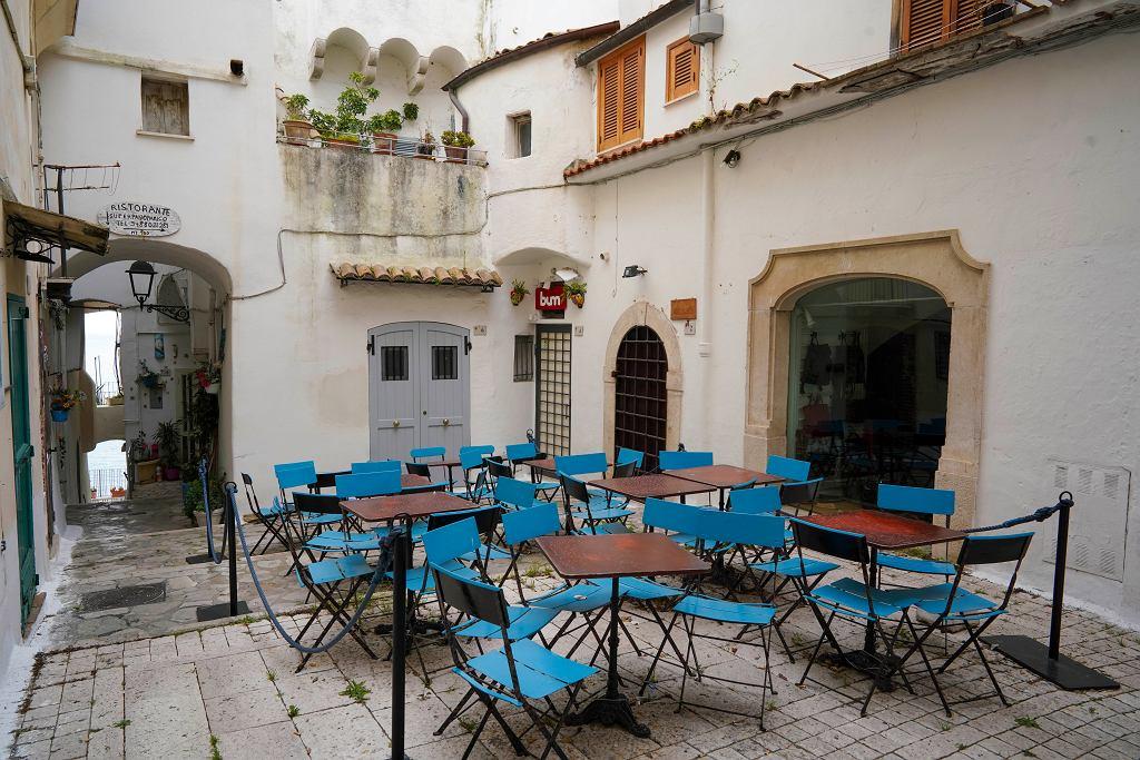 Koronawirus we Włoszech - przygotowania do II etapu odmrażania gospodarki i otwarcia lokali gastronomicznych czy restauracji.