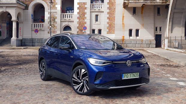 Volkswagen ID.4 właśnie zgarnął tytuł Samochodu Roku. Teraz przyjechał do Studia Biznes