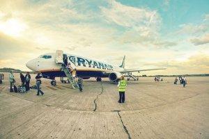 Czy samoloty tanich linii lotniczych są mniej bezpieczne? Obalamy 4 mity o tanich przewoźnikach