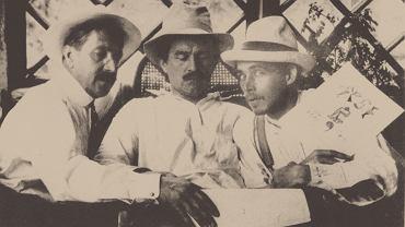 Malewicz (w środku) w Finlandii w 1913 r.