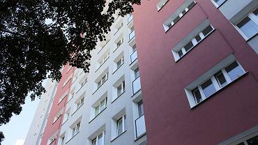 Mieszkańcy Ursynowa ostrzegają się przed włamywaczem. Wchodzi przez okna nawet na ósmym piętrze
