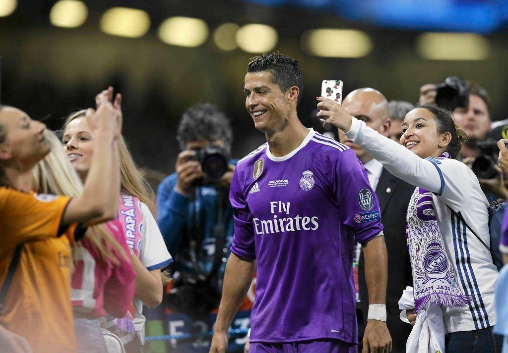 Bohaterem meczu został Cristiano Ronaldo, który strzelił dwa gole, a w sumie 12, zostając królem strzelców LM.