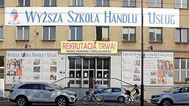 Siedziba Wyższej Szkoły Handlu i Usług w Poznaniu, którą wraz z mężem prowadzi Magdalena G.