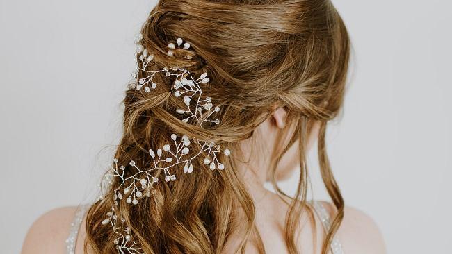 Fryzury na wesele 2020. Modne inspiracje nie tylko dla panny młodej
