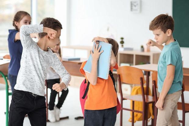 Ustka. Agresywny ośmiolatek miał uderzyć dwie nauczycielki