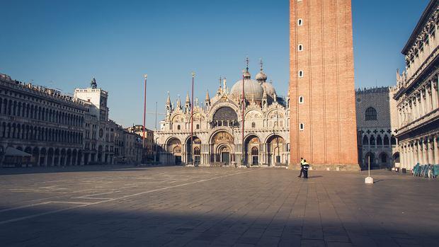 Pusty plac w Wenecji (fot. Shutterstock)