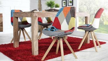 Modne kolorowe krzesła są HITem tego roku