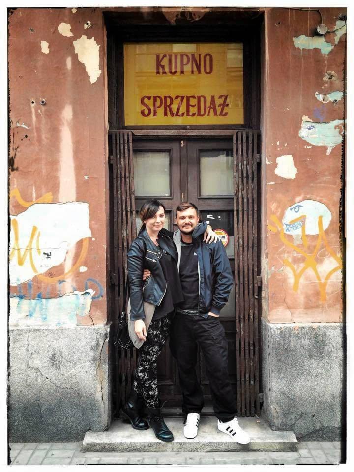 Agnieszka i Stanisław Szpilowscy przed lokalem, który przekształcili w restaurację La Sirena /