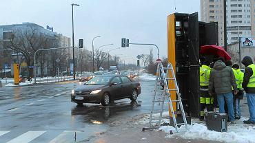 Montaż nowego fotoradaru na ul. Ostrobramskiej. 10 stycznia 2013