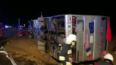 Polkowice. Wypadek autokaru na trasie S3. Decyzją sądu kierowca nie trafi do aresztu.