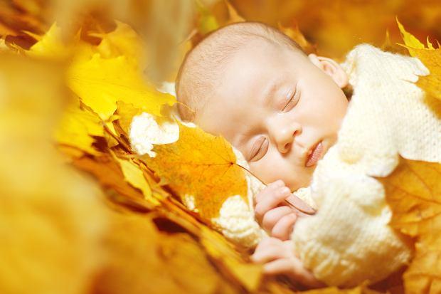 Wyprawka dla noworodka urodzonego jesienią. Co może się przydać? [LISTA]