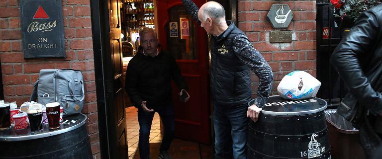"""Irlandia ogłasza 6-tygodniowy lockdown. """"Żadnych gości w domach"""""""