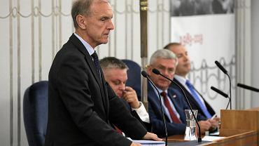 Senator Bogdan Klich podczas posiedzenia Senatu, 12 listopada 2019.
