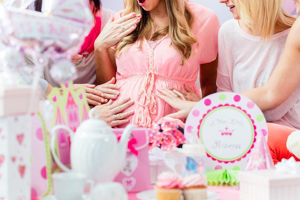 Jak zorganizować baby shower? Moc pomysłów na bociankową imprezę. Zdjęcie ilustracyjne