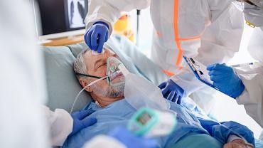 COVID-19: Ciężko chory pacjent