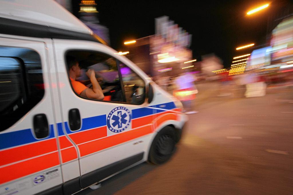 Pijanego kierowcę karetki zatrzymano po pościgu