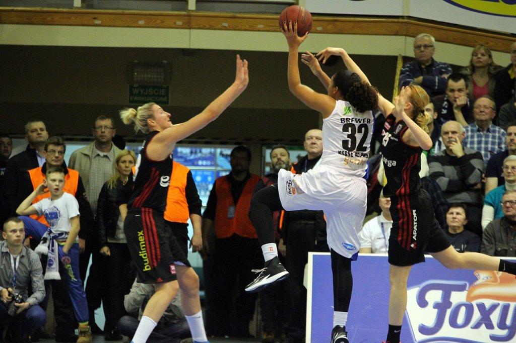 Tauron Basket Liga Kobiet: KSSSE AZS PWSZ Gorzów - Energa Toruń 78:79 (15:25, 25:24, 20:14, 18:16)