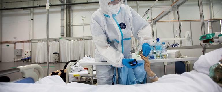 Ekspert o czwartej fali koronawirusa: Mamy dokładnie to, na co sobie zapracowaliśmy