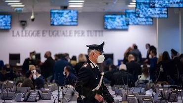 Włochy. Ruszył największy w historii proces mafiosów z 'Ndranghety. Ponad 300 osób z na ławie oskarżonych.